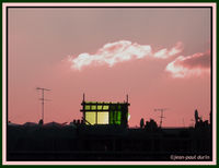 Maison verte sur le toit d'en face